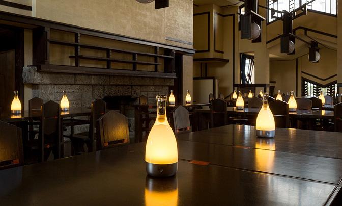 ambienTec アンビエンテック Bottled ボトルド コードレス LEDランプ 充電式 カラー:2色 デザイン:小関 隆一 BL001