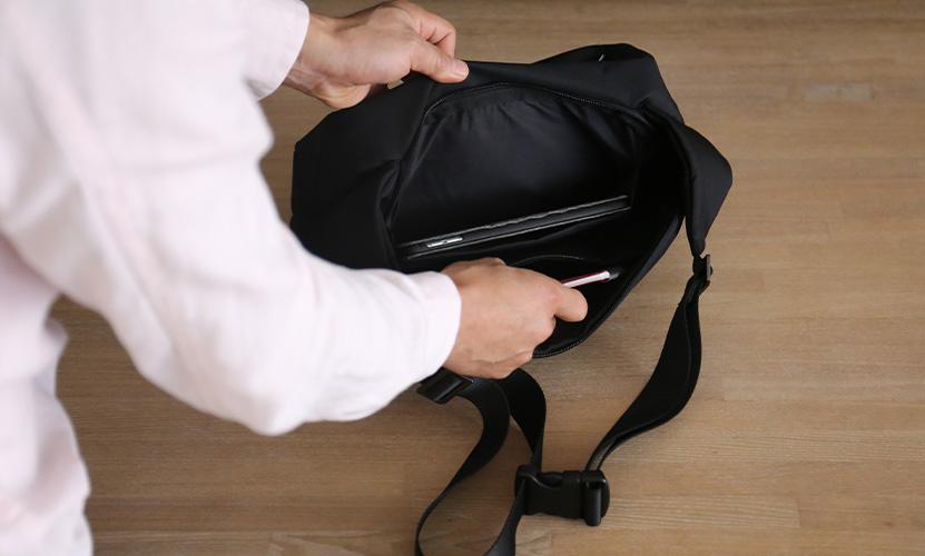 MH WAY エムエイチウェイ STONE SLING ストーン スリング ショルダーバッグ MH-014 カラー:ブラック デザイン:ジョイア・ジョヴァンネッラ