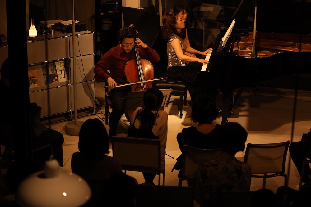 お月見の夜に「ピアノとチェロの気まぐれコンサート」無事終了しました。