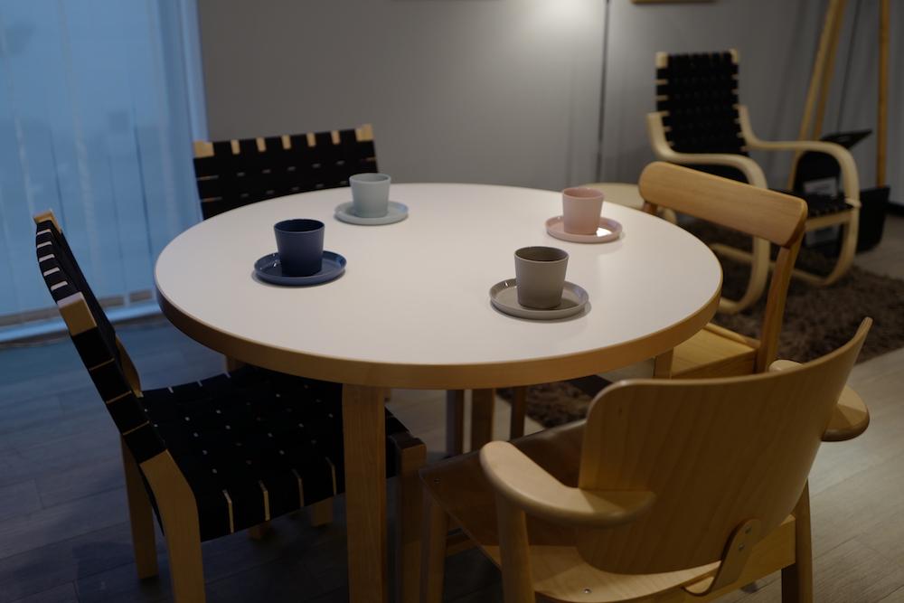 「Universal Wooden Chair -普遍的な木製の椅子」キャンペーン